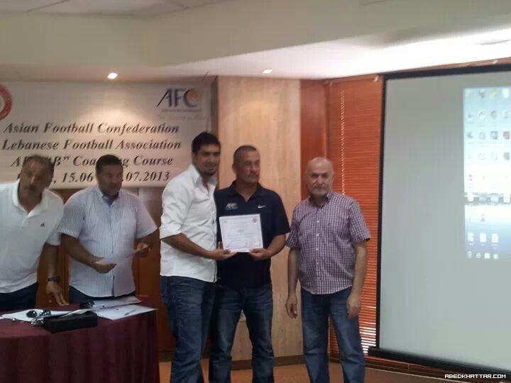 الفلسطيني اشرف صقر يحرز شهادات التدريب من الأتحاد الأسيوي لكرة القدم Cوb