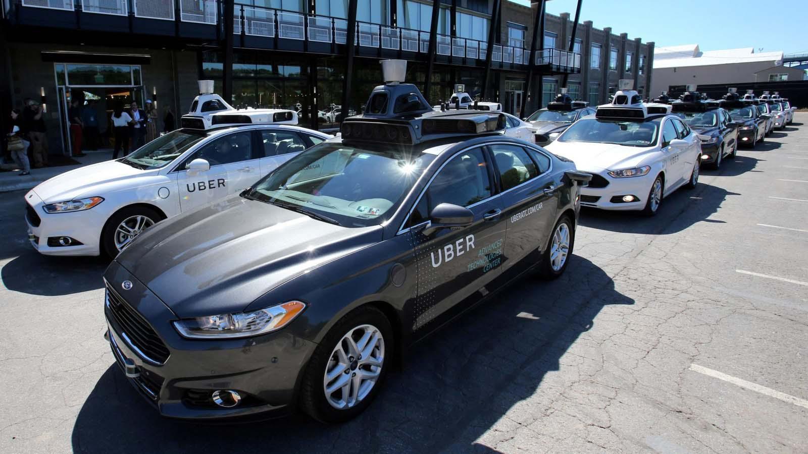 غوغل تتهم أوبر بسرقة تقنيتها للسيارات الذاتية القيادة