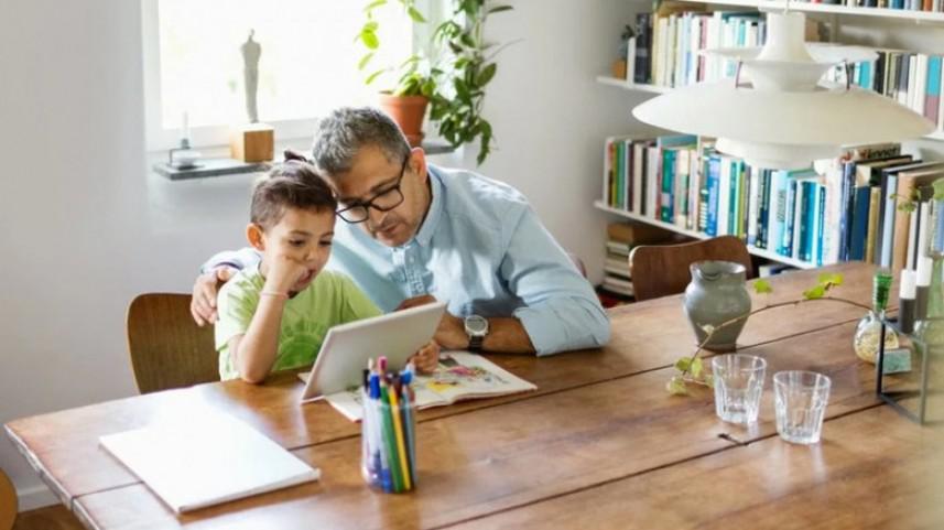 تطبيق جديد من غوغل يتيح للآباء التحكم بأجهزة أطفالهم