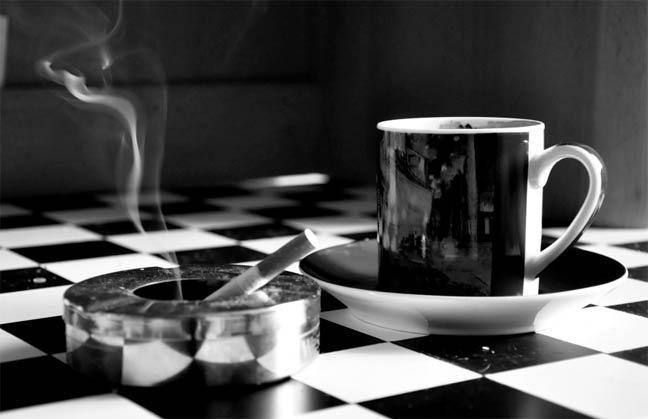الرابط بين القهوة والتدخين