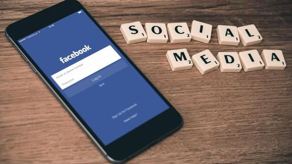 10 نصائح لاكتشاف الأخبار الكاذبة على فيسبوك