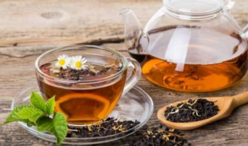 8 أسباب تجعلك تشرب الشاي الأسود يوميًا