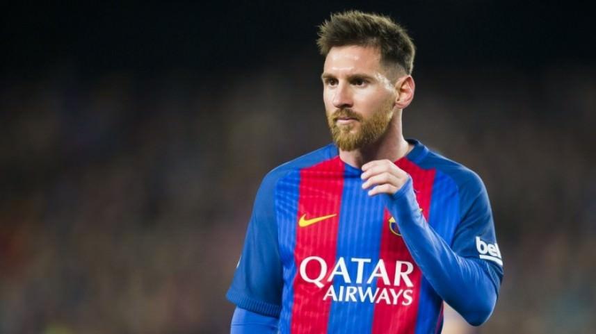 ميسي يحسم موقفه من التجديد مع برشلونة