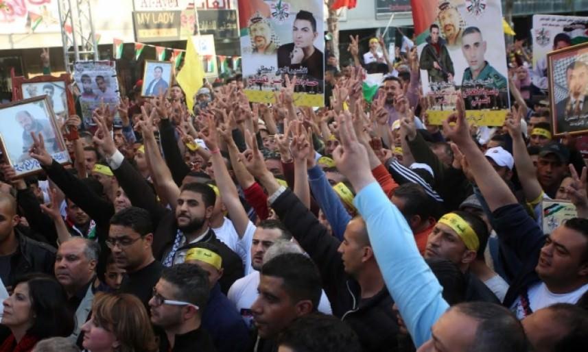 المتابعة تدعو للإضراب عن الطعام تضامناً مع الأسرى الجمعة المقبل