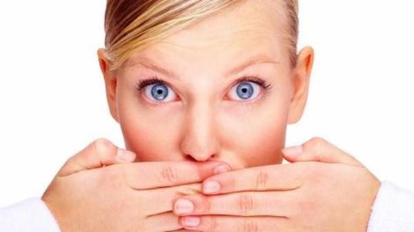 الحل السحري للتخلص من رائحة الفم الكريهة