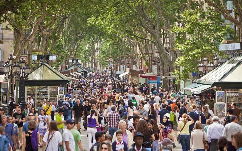 بلدية برشلونة تقرر إنهاء أي تواطؤ مع إسرائيل ومستوطناتها