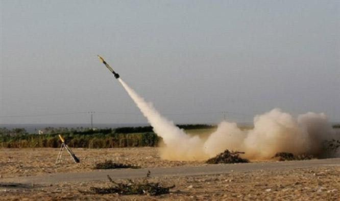 العدو يزعم إطلاق حماس صاروخ تجريبي صوب البحر