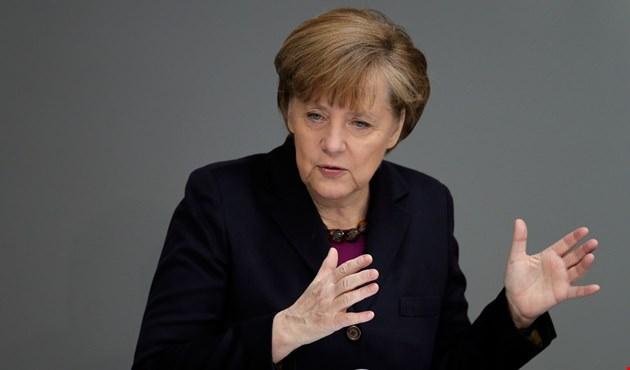 ميركل    ينبغى على الأوروبيين أن يتحكموا في مصيرهم بأنفسهم