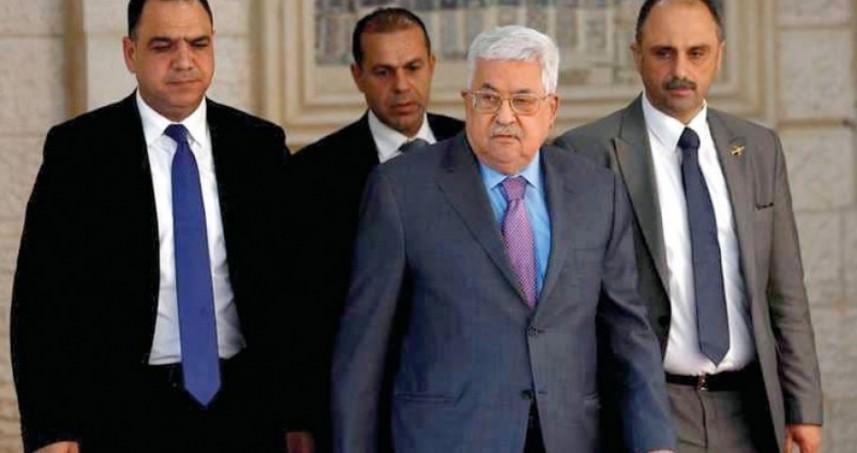 عباس يغادر المستشفى ويعود للعمل غداً