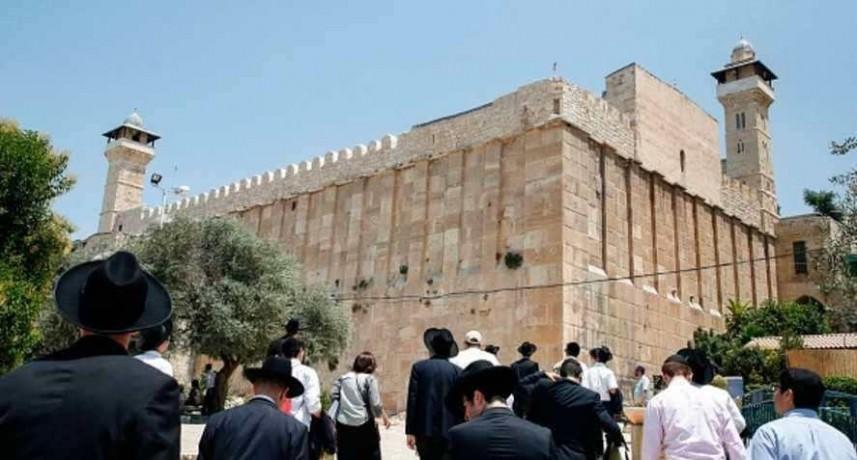 وزير صهيوني يقتحم المسجد الإبراهيمي