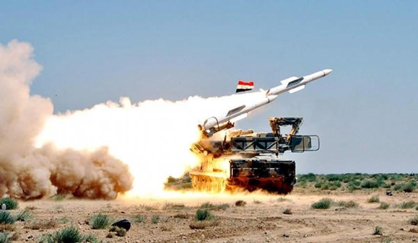 الدفاعات الجوية السورية تتصدى لصواريخ صهيونية قرب مطار التيفور