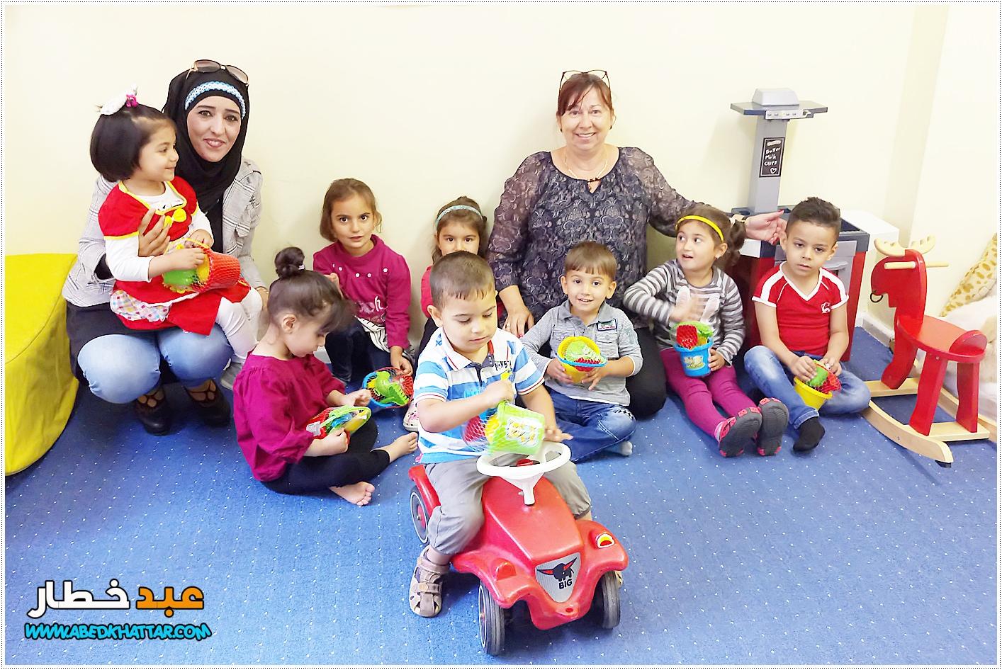 توزيع ألعاب وهدايا للأطفال بمناسبة عيد الفطر السعيد