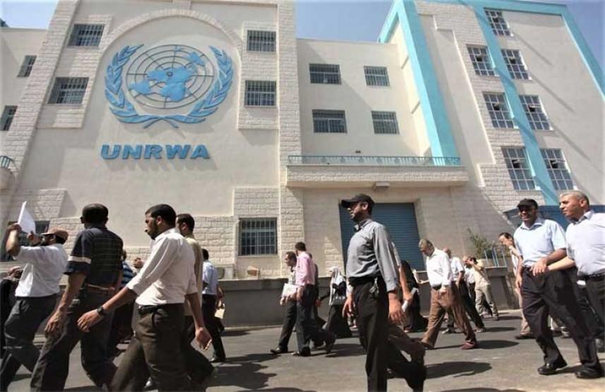 منظمة التحرير ترفض حل أزمة الأونروا المالية على حساب خدمات اللاجئين