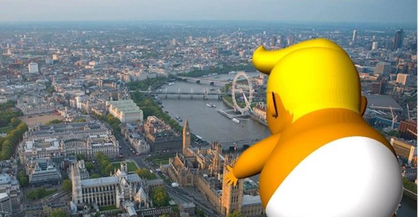 الطفل ترامب في سماء لندن!