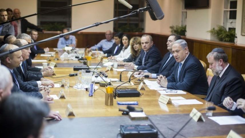 وزيران إسرائيليان يتراجعان عن دعم قانون القومية الذي أقر بطريقة متهورة