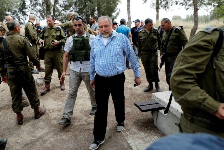 ليبرمان يجري مشاورات في مقر وزارته الكرياه حول التطورات في غزة