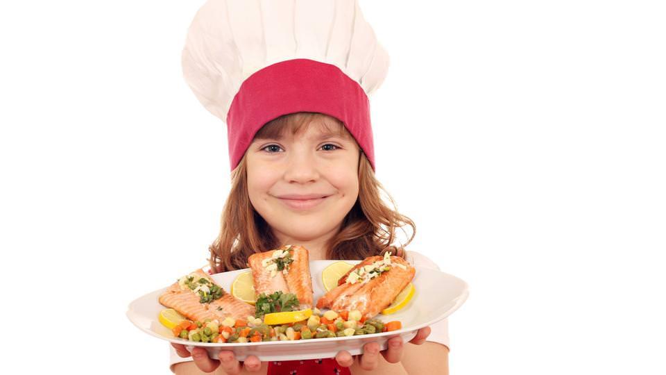 الأسماك الدهنية تحسن وظائف الدماغ لدى الأطفال