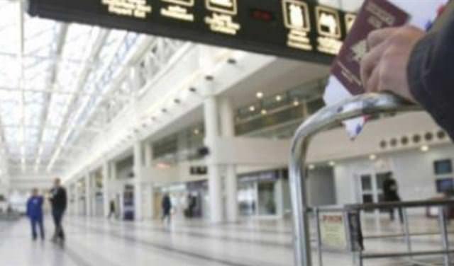 جثة طفل حديث الولادة داخل طائرة في مطار بيروت