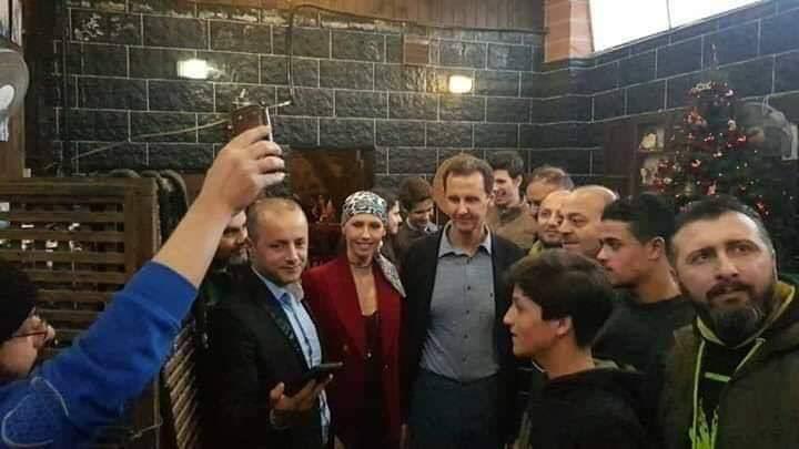 الرئيس السوري بشار الأسد وزوجته اسماء وابنائهما حافظ وزين وكريم