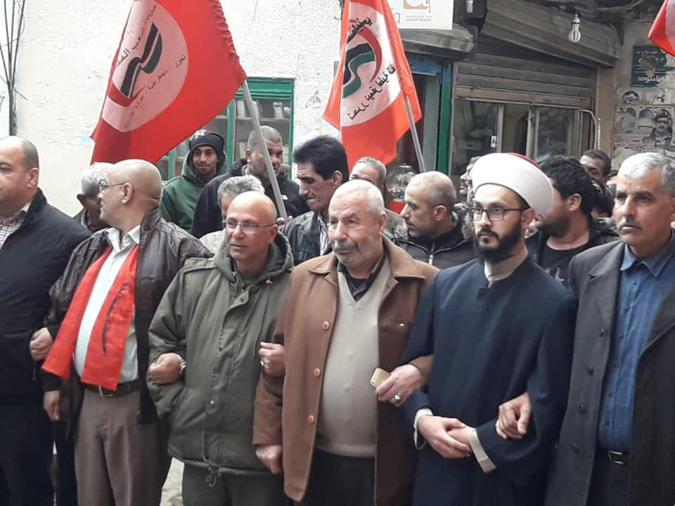 مسيرة جماهيرية و كشفية حاشدة في مخيم البداوي لذكرى تأسيس حزب الشعب الفلسطيني