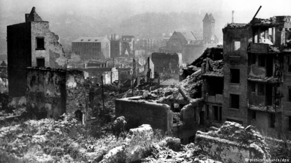 قصف جوي استمر 22 دقيقة محا مدينة ألمانية من الخارطة