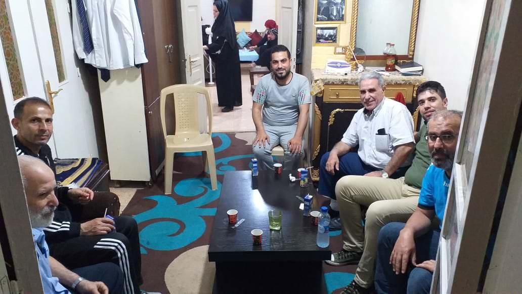 زيارة نادي شبيبة فلسطين للاخ سامر سلمون للاطمئنان على صحته بعد خروجه من المستشفى معافى