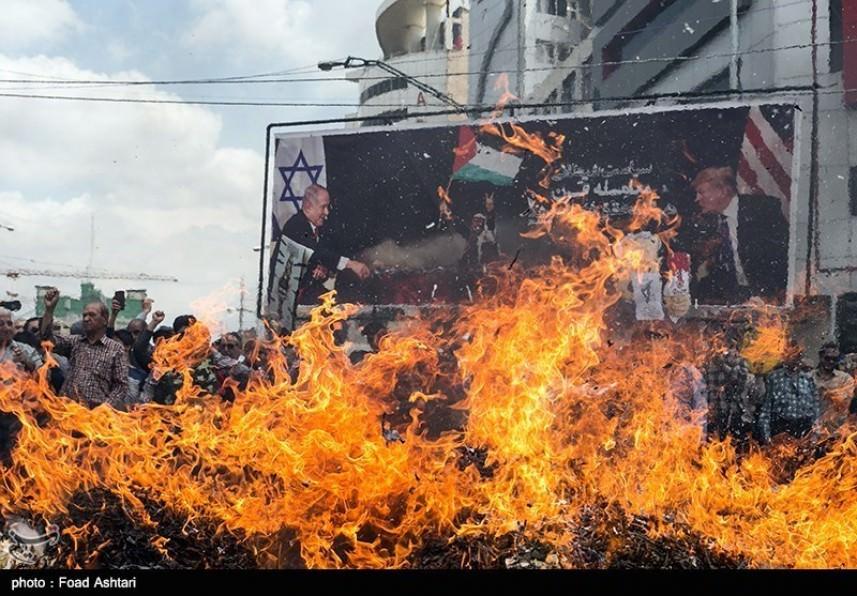 الايرانيون في مسيرة مليونية بيوم القدس العالمي