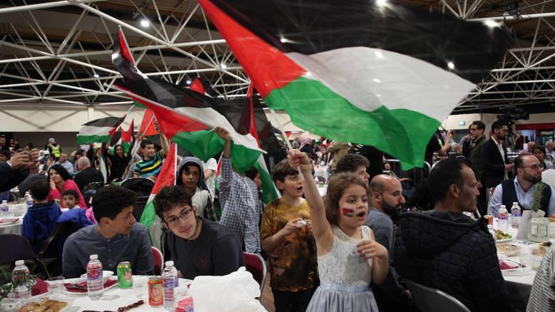 حافظ الكرمي: كل فلسطيني حتى لو كان مقيما في أرقى أحياء لندن متمسك بأرضه ووطنه وقدسه