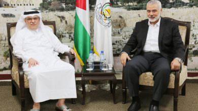 هنية يلتقي السفير القطري في غزة