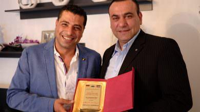 النائب العربي الفلسطيني الألماني عبدالكريم عراقي يكرم السيد سامر بلال اصلان