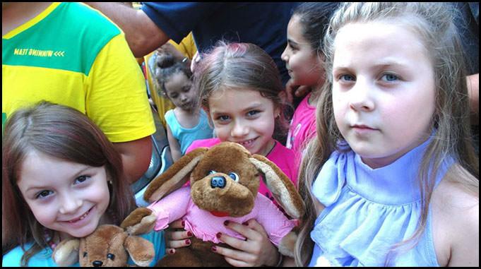 توزيع ألعاب وهدايا للأطفال بمناسبة عيد الفطر السعيد في برلين