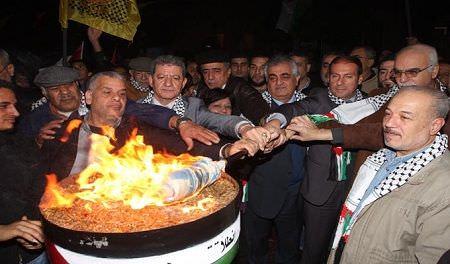 مخيمات بيروت تضيْء الشعلة 47 لانطلاقة حركة فتح