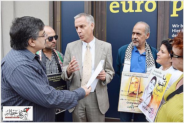 تسليم رسالة إلى الإتحاد الأوروبي ضد سياسة الإعتقال الإداري وتضامناً مع الأسرى الفلسطينيين