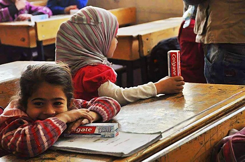 الهيئة الخيرية تقيم نشاطاً طبياً لطلاب مدرسة الفالوجة في مخيم اليرموك