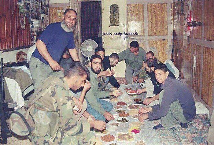 مخيم جنين .. الملحمة .. يغيب شهداؤها ولا تغيب ذكراهم