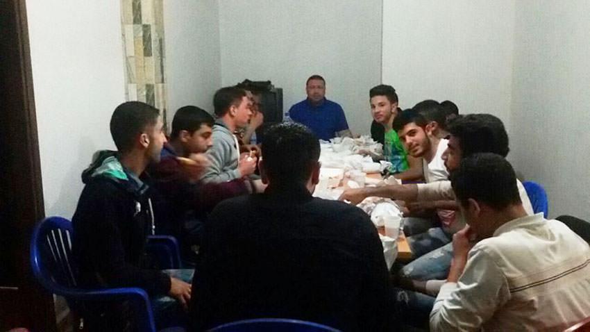 رابطة بيت المقدس تقيم حفل عشاء لطلابها في مخيم البص