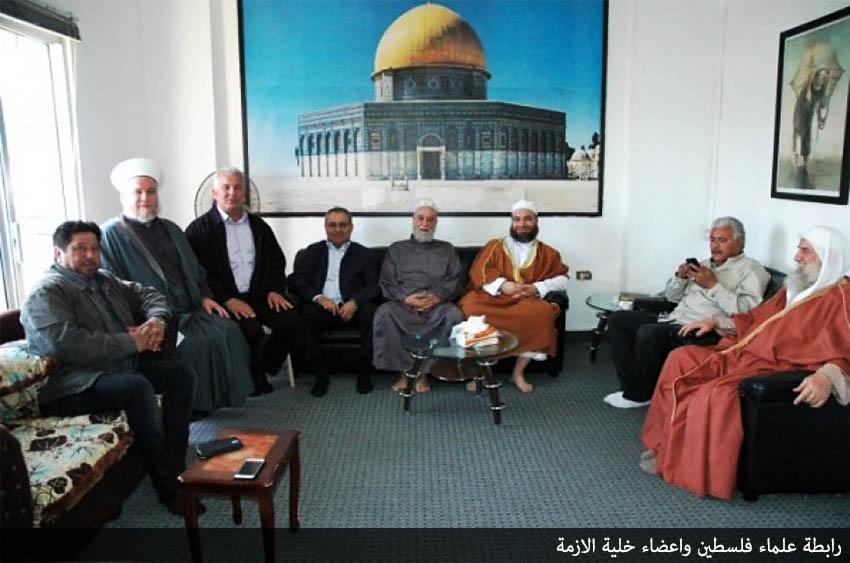 علماء فلسطين وخلية الأزمة يبحثان أحداث عين الحلوة وتقليصات الأونروا