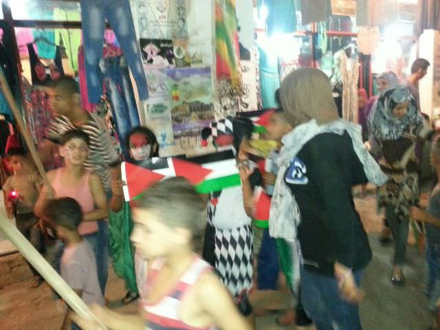 مسيرة لأطفال في مخيم البداوي تضامناً مع أهلنا في غزة
