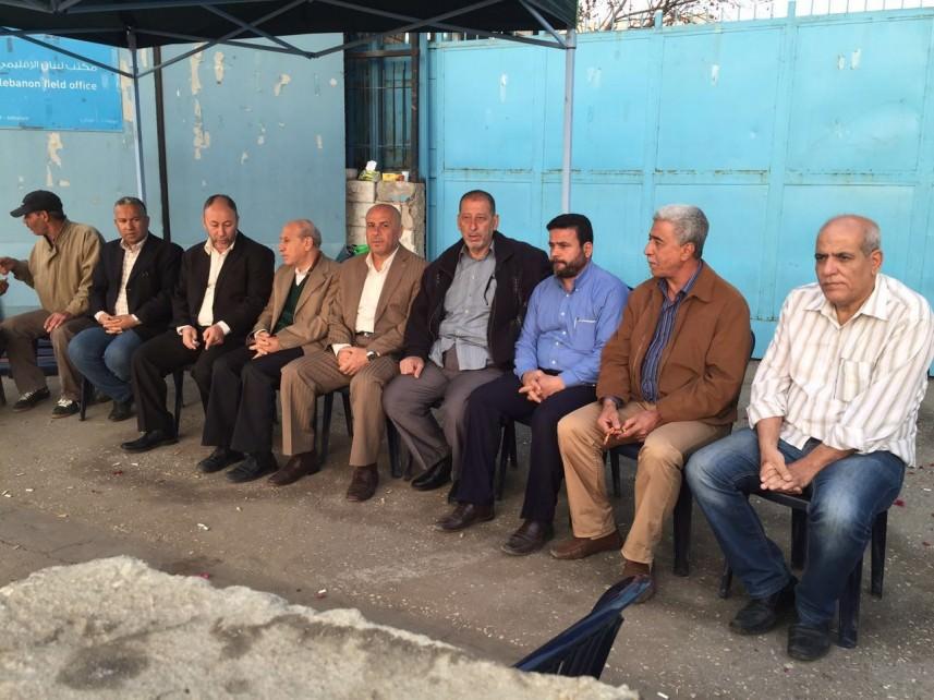 الفلسطينيون يواصلون اعتصاماتهم ضد اجراءات الأونروا المجحفة