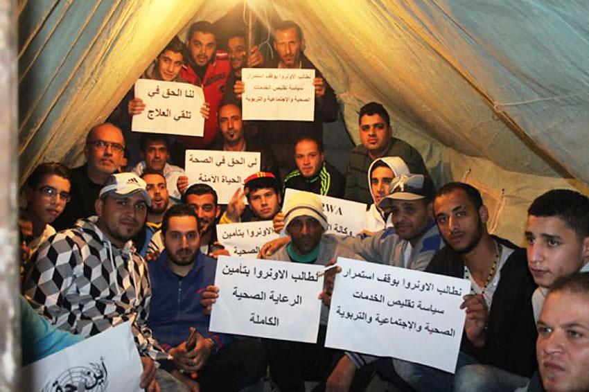 وفد سويدي يتضامن مع الفلسطينيين ويزور خيمتي صيدا وبرج البراجنة