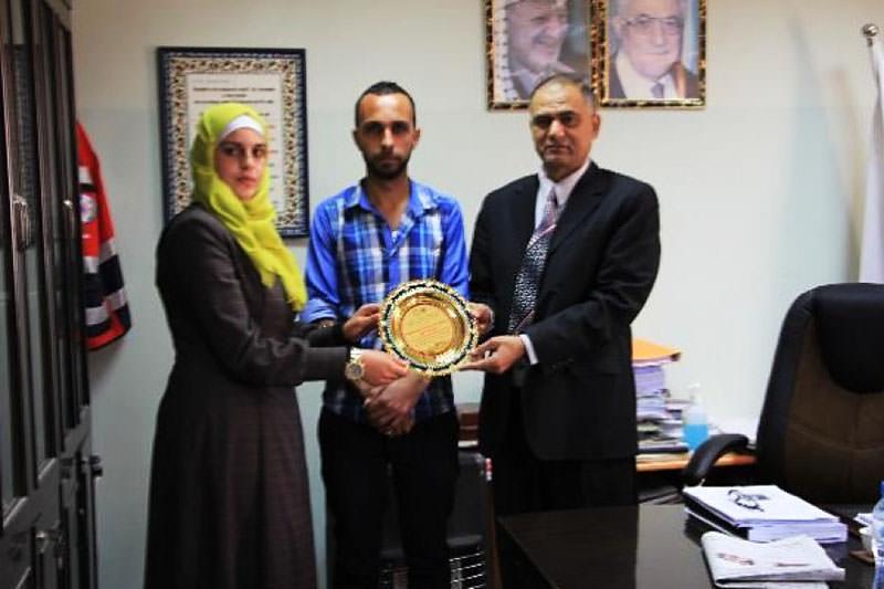 طالبان فلسطينيان يفوزان بمشروع مراقبة العمليات الحيوية للمريض