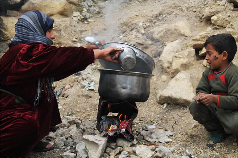 استشهاد ثلاثة فلسطينيين في مخيم اليرموك إثر الاشتباكات المستمرة