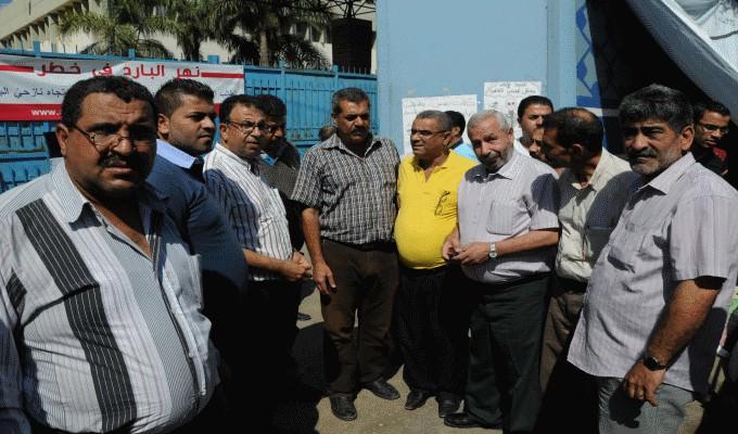 أبو جهاد فياض يشارك معتصمين نهر البارد أمام مكتب الاونروا