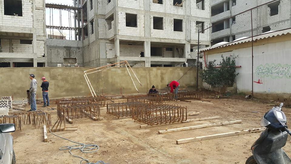 المؤسسة تبدأ بإنشاء ملعب الوفاء لكرة القدم في مخيم البداوي