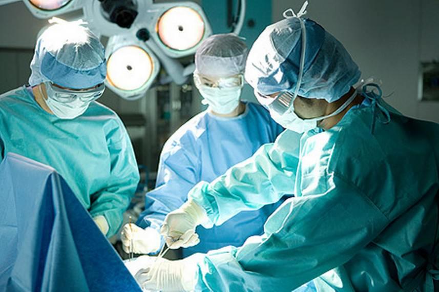 إجراء عمليات جراحية مجانية للأطفال السوريين والفلسطينيين في لبنان