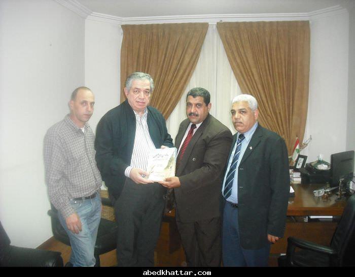 الوزير سمير الجسر يلتقي وفد الجبهة الديمقراطية