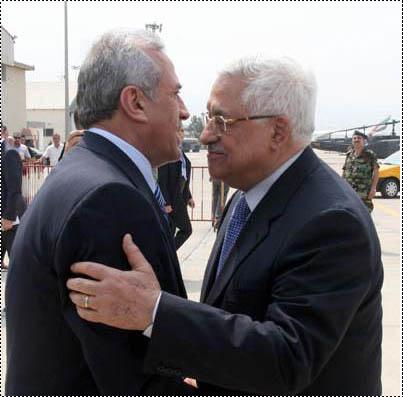 الرئيس الفلسطينى محمود عباس فى زيارته الى لبنان لرفض التوطين