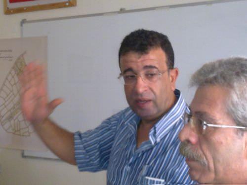 مروان عبد العال مخاطباً أعضاء الوفد الإيطالي من مؤسسة [ كي لا ننسى ]