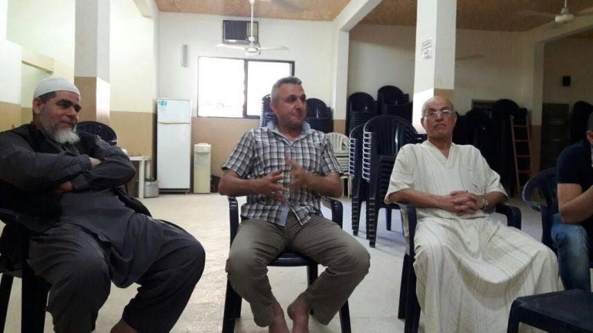 اللجان الشعبية في زيارة لحي طيطبا في مخيم عين الحلوة