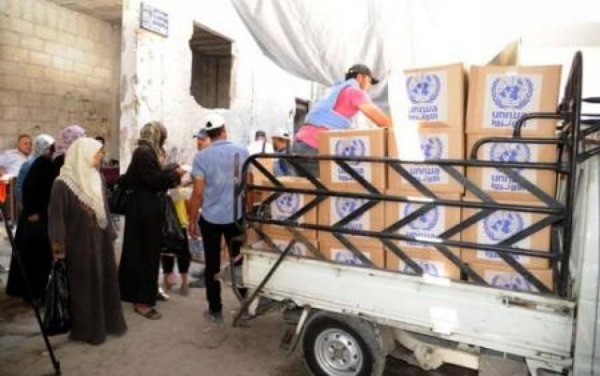 تقديم بعض الخدمات الطبية على أهالي اليرموك في بلدة يلدا